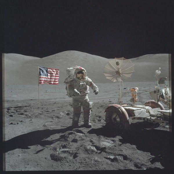 سومین ماه پیمایی یکی از فضانوردان آپولو 17 در تاریخ 13 دسامبر 1972 که آخرین ماموریت این فضاپیما هم به شمار می رود. از آن زمان تاکنون هیچ انسانی روی ماه قدم نگذاشته است.
