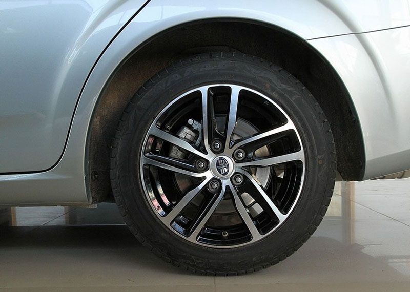 FAW-Besturn-B50-F-2014-2015-wheels