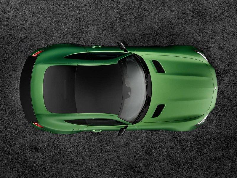Mercedes-AMG-GT-R-211