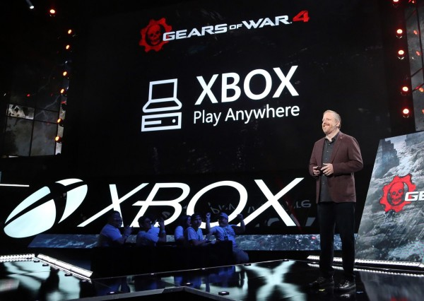 xbox_play_anywhere_e3_2016_stage_reveal_1-600x426