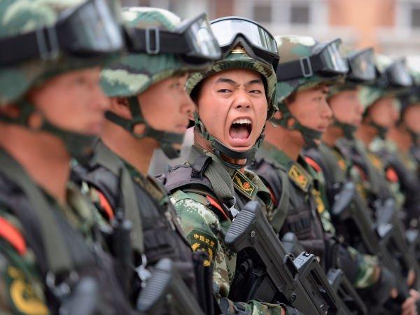 این گزارش حاوی دلایل و مستنداتی بود که نشان می داد Comment Crew (که گاهی اوقات هم با نام Comment panda یا APT1 از آن یاد می شود) یک واحد نظامی در چین است که با نام PLAY Unit 61398فعالیت می کند.