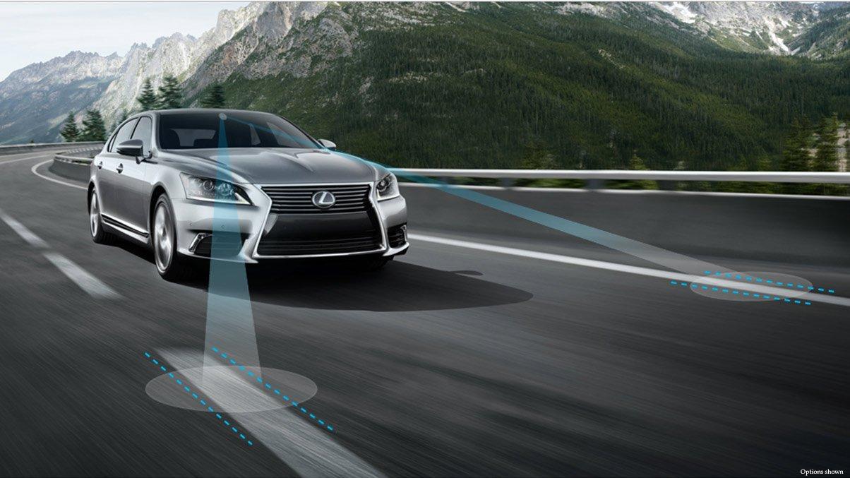 2014-Lexus-LS-lane-assist-overlay-safety-1204x677-IL46112