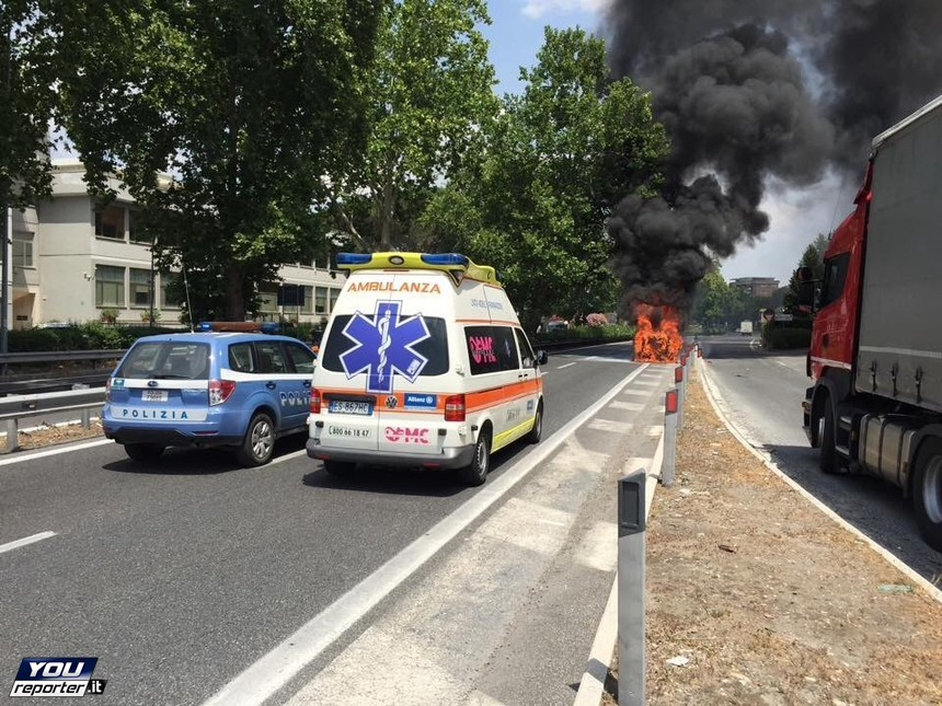 bmw-i3-police-car-catches-fire-in-rome-bad-news-for-the-lapd_4