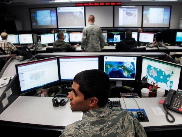اما نکته ای کهشاید از قلم انداخته شده این است که جنگ و جاسوسی در فضای سایبری همواره در سایه و خفا صورت می گیرد.