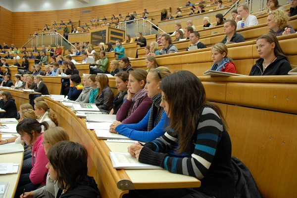lecture-hall-hörsaal-students-university-class