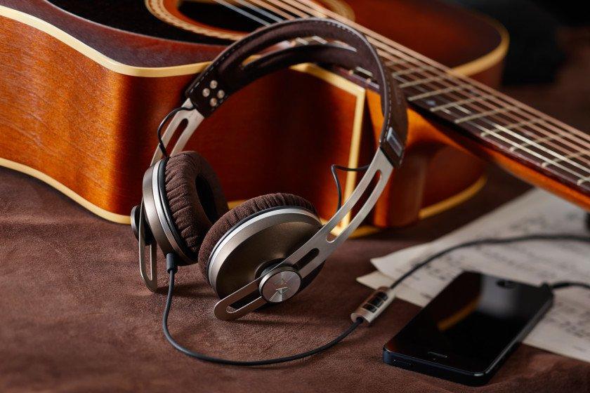 sennheiser-momentum-on-ear-headphone-840x560