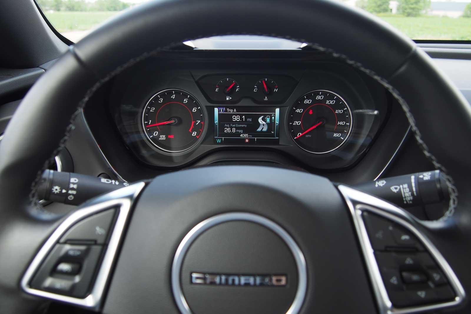 2016-Chevrolet-Camaro-1LT-Gauges-02