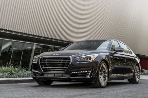 2017-genesis-g90-flagship-detailed-has-most-standard-kit-in-its-class_14