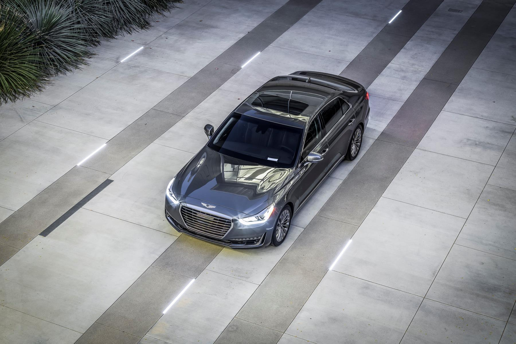 2017-genesis-g90-flagship-detailed-has-most-standard-kit-in-its-class_16