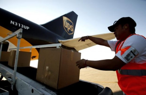 49083_10_amazon-looks-leasing-20-boeing-767s-air-cargo-duties