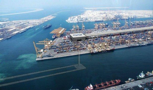 Dubai_hyperloop_cargo_ship_1