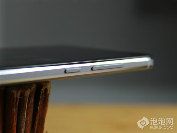 The-Xiaomi-Redmi-Note-4-is-unveiled-by-China-Mobile (2)-w600