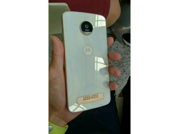 White-Motorola-Moto-Z-Play-3
