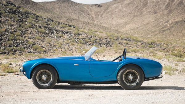 most-expensive-american-car-ever-sold-at-auction-is-carroll-shelbys-cobra-110492_1