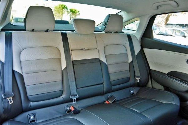 2015-renault-talisman-back-seats-970x647-c-w600-h600