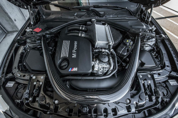 2016-BMW-M4-GTS-engine-w600-h600