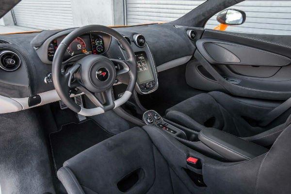 2016-McLaren-570S-interior-w600-h600