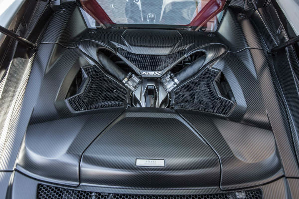 2017-Acura-NSX-engine-w600-h600