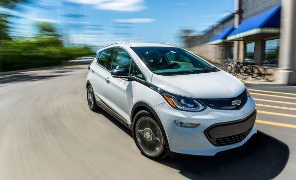 2017 Chevrolet Bolt EV 101 876x535 w600 h600 معرفی باتری یک میلیون مایلی جنرال موتورز؛ تیر خلاص برای خودروهای بنزینی اخبار IT