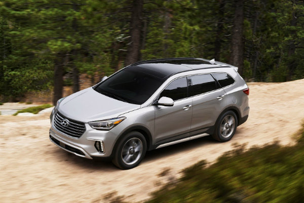 2017-Hyundai-Grand-Santa-Fe