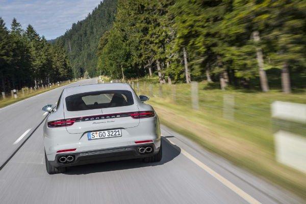 2017-Porsche-Panamera-Turbo-rear-end-in-motion-06-w600-h600
