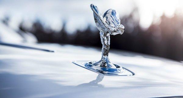 مجسمه نصب شده بر روی دماغه خودروهای رولز-رویس معروف به روح اکستازی