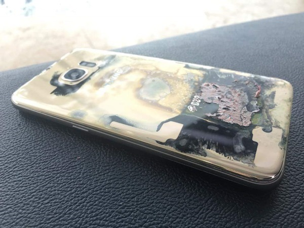 A-Samsung-Galaxy-S7-edge-catches-on-fire-in-the-Philippines (1)