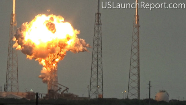 SpaceX-falcon9-explosion-2