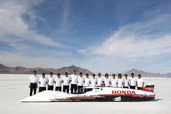 honda-hits-261875-mph-with-660-cc-powered-vehicle-at-bonneville_3