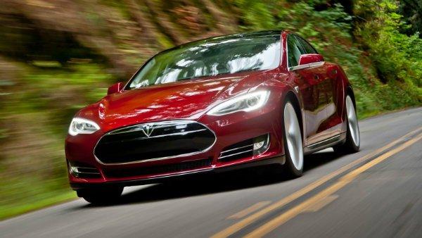 تسلا مدل S، پر سر و صداترین خودروی برقی این روزها