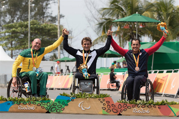 zanardi-does-it-again-with-paralympic-gold-in-hand-cycling-time-trial_8