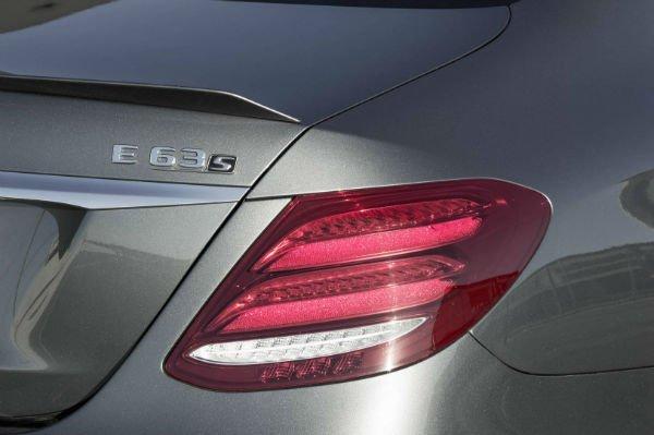 2017-Mercedes-AMG-E63-S-6-w600-h600
