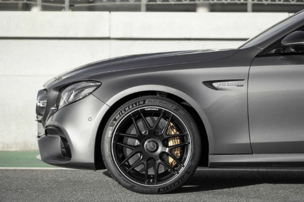 2017-Mercedes-AMG-E63-S-9-w600-h600