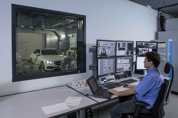 2017-Mercedes-Benz-Tech-Day-testing-facility-2-w600-h600