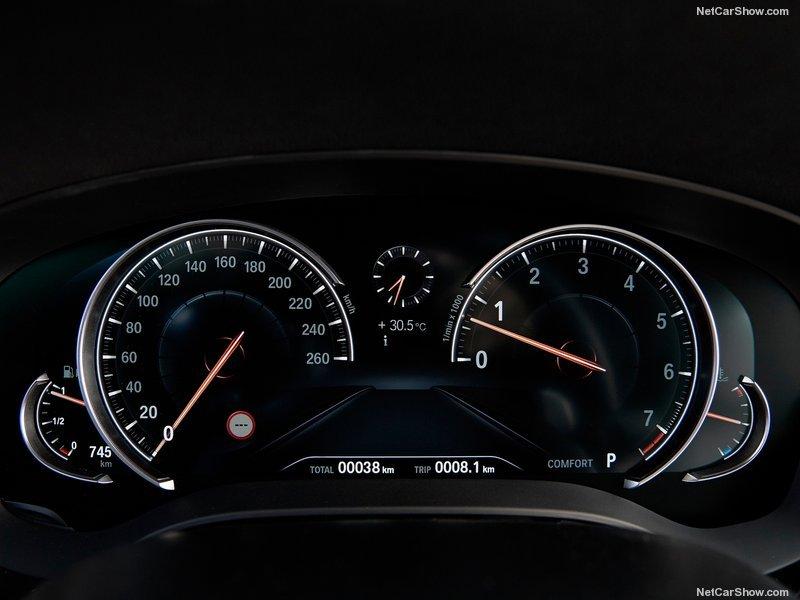 BMW 5-16