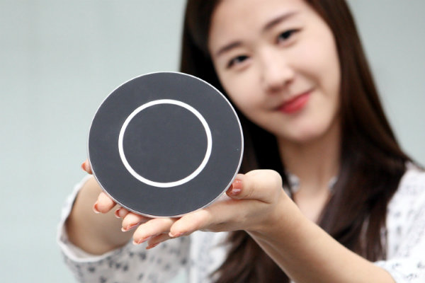 LGs-Quick-Wireless-Charging-Pad (1)-w600