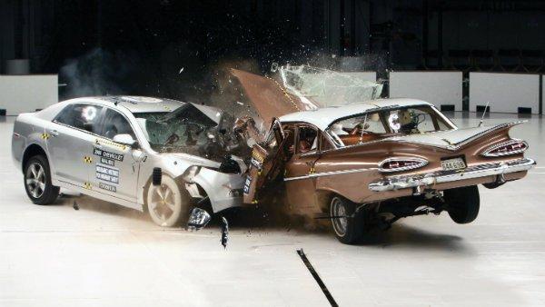 1959 Chevrolet Bel Air vs. 2009 Chevrolet Malibu IIHS crash test
