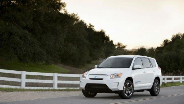 2010-216650-2012-toyota-rav4-ev-prototype1-w600-h600