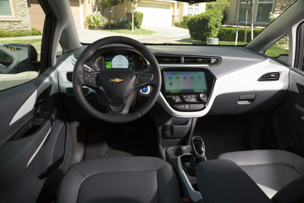 2017-Chevrolet-Bolt-EV-Premier-interior-w600-h600