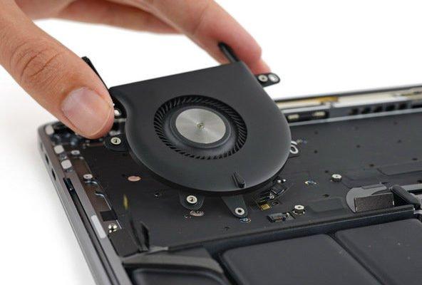 macboo-touchbar0ifixit-17-w600