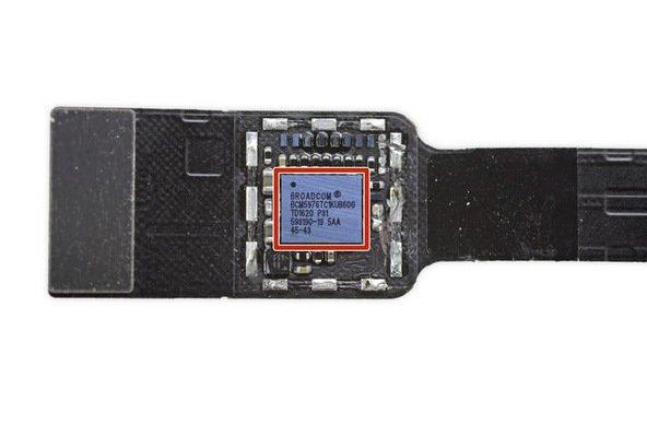 macboo-touchbar0ifixit-23-w600