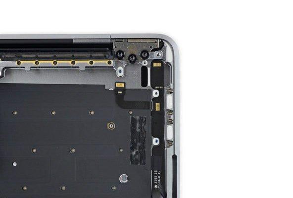 macboo-touchbar0ifixit-25-w600