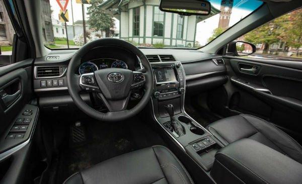 2017-toyota-camry-hybrid-131-876x535-w600-h600