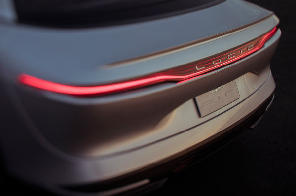 lucid-motors-air-rear-taillight-w600-h600