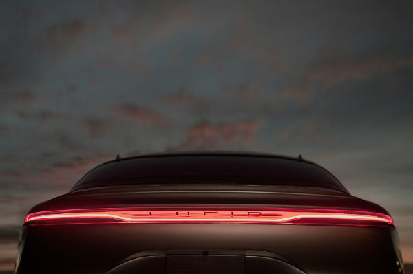 lucid-motors-air-rear-taillights-w600-h600