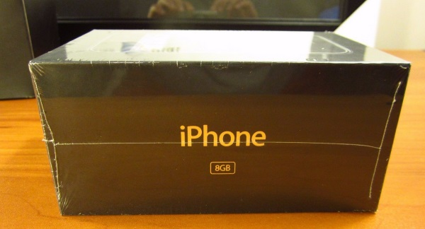original-apple-iphone-in-a-sealed-box-goes-for-big-bucks-at-ebay-5