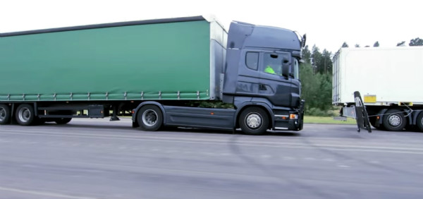 scania-truck-in-berlin-7