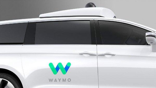 waymo_fca_fully_self_driving_chrysler_pacifica_hybrid-2