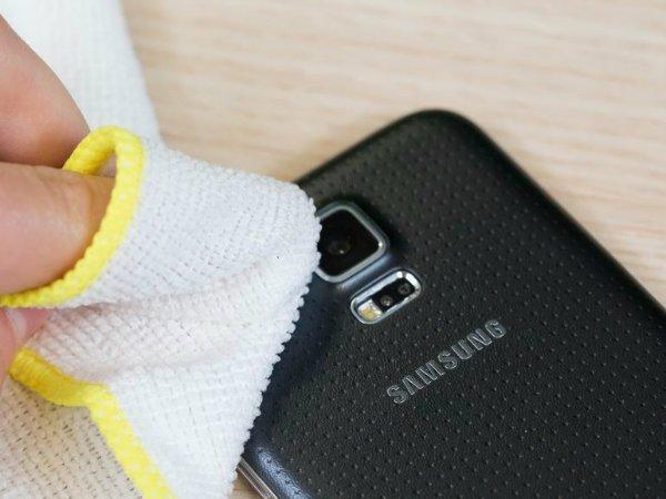 clean-smartphone-lens-w600