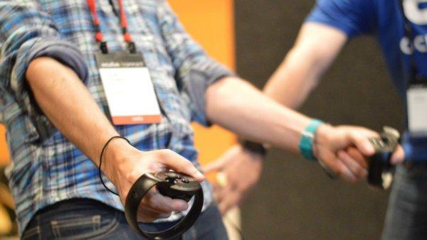 oculus-touch-2-1476142649-qcbp-column-width-inline-w600